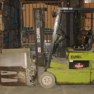 """Clark 3000 lb lift with 36"""" x 36"""" squeeze attachment. WS2423"""